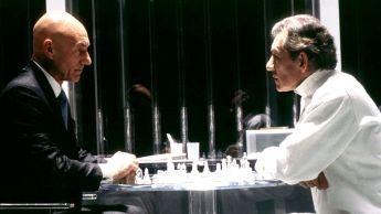 Xavier (Patrick Stewart) y Magneto (Ian McKellen) jugando al ajedrez en las primeras películas